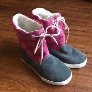Kai Sherpa lined boots, size 1 big girls
